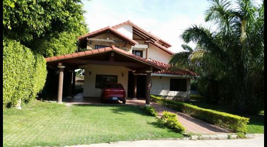 Casa en Alquiler CONDOMINIO JARDINES DEL URUBO Foto 1