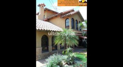 Casa en Venta en Cochabamba Muyurina PRÓXIMO UNIVERSIDAD CATOLICA
