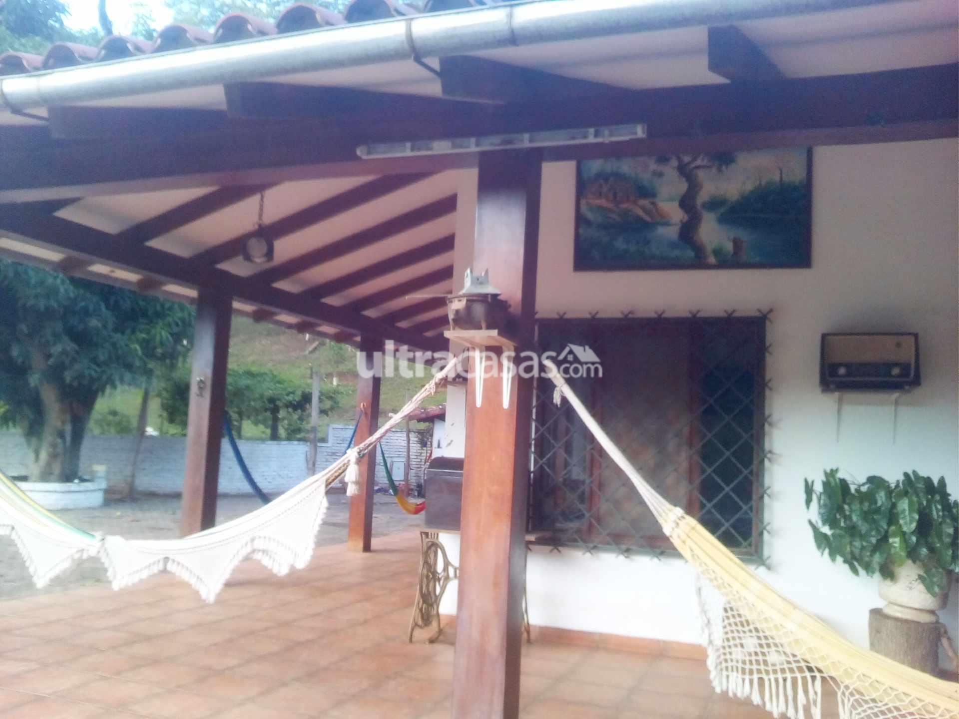 Casa en Venta Poblacion el torno del surtidor el torno ingresando  900 mt. Se encuentra la quinta Foto 2