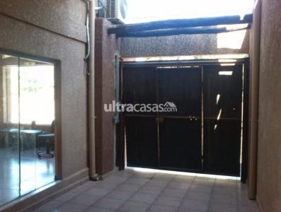 Casa en Venta Calle Mariano Zambrana # 700. Paralela a Avenida Busch. entre 3er y 4to anillo  Foto 13