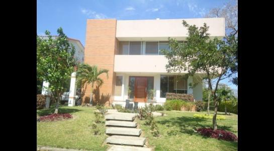 Casa en Alquiler Urubo, El condominio el Parque de los Jardines  del urubo Foto 1