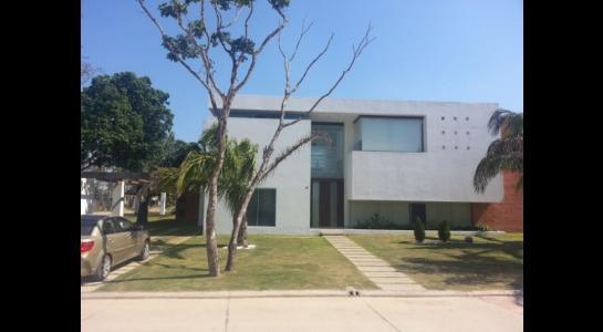 Casa en Alquiler Urubo, condominio los Batos del urubo Foto 1