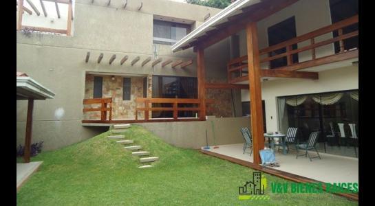 Casa en Alquiler Barrio Norte de Santa Cruz Foto 1