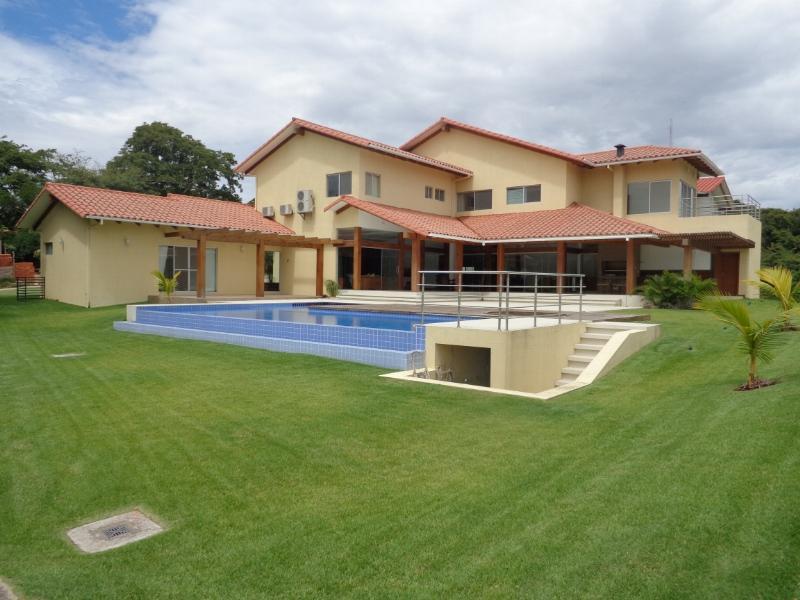 Casa en Venta Espectacular Casa en venta Condominio Colinas II Urubo Foto 1