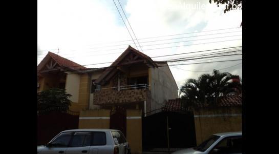 Casa en Alquiler Av. Roca y Coronado 3 er anillo Foto 1