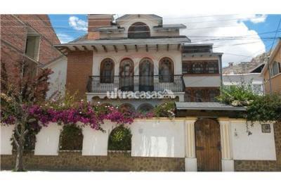 Casa en Venta en La Paz Auquisamaña Manz. Q Urb. Auquisamaña Region Calacoto
