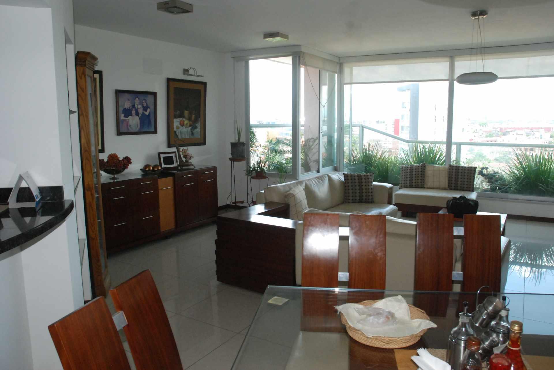 Departamento en Venta Equipetrol  cerca al Colegio Alemán Foto 2
