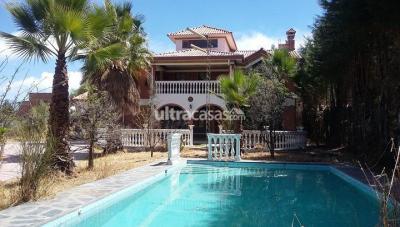 Casa en Venta en Cochabamba Tiquipaya A 300 metros del Hotel Regina