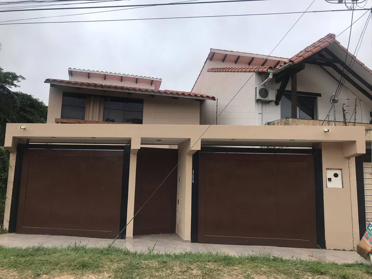 Casa en Venta AV. Hilanderia entre 4to y 5to anillo, entre Av. Pirai y Radial 17/5 Foto 1