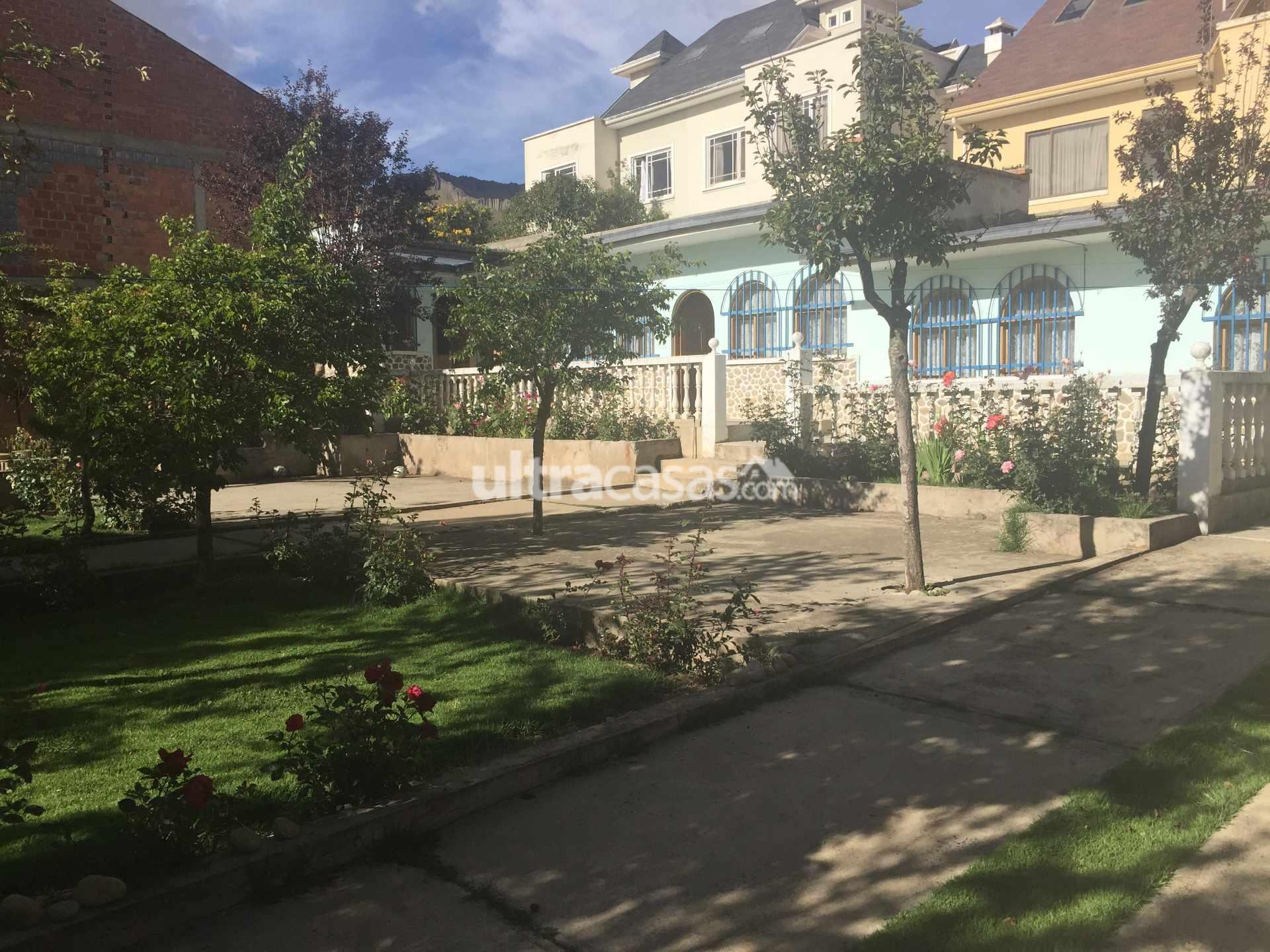Casa en Venta Bonita casa, amplio jardín con árboles frutales, terreno 540m2 ideal para construcción. Foto 2