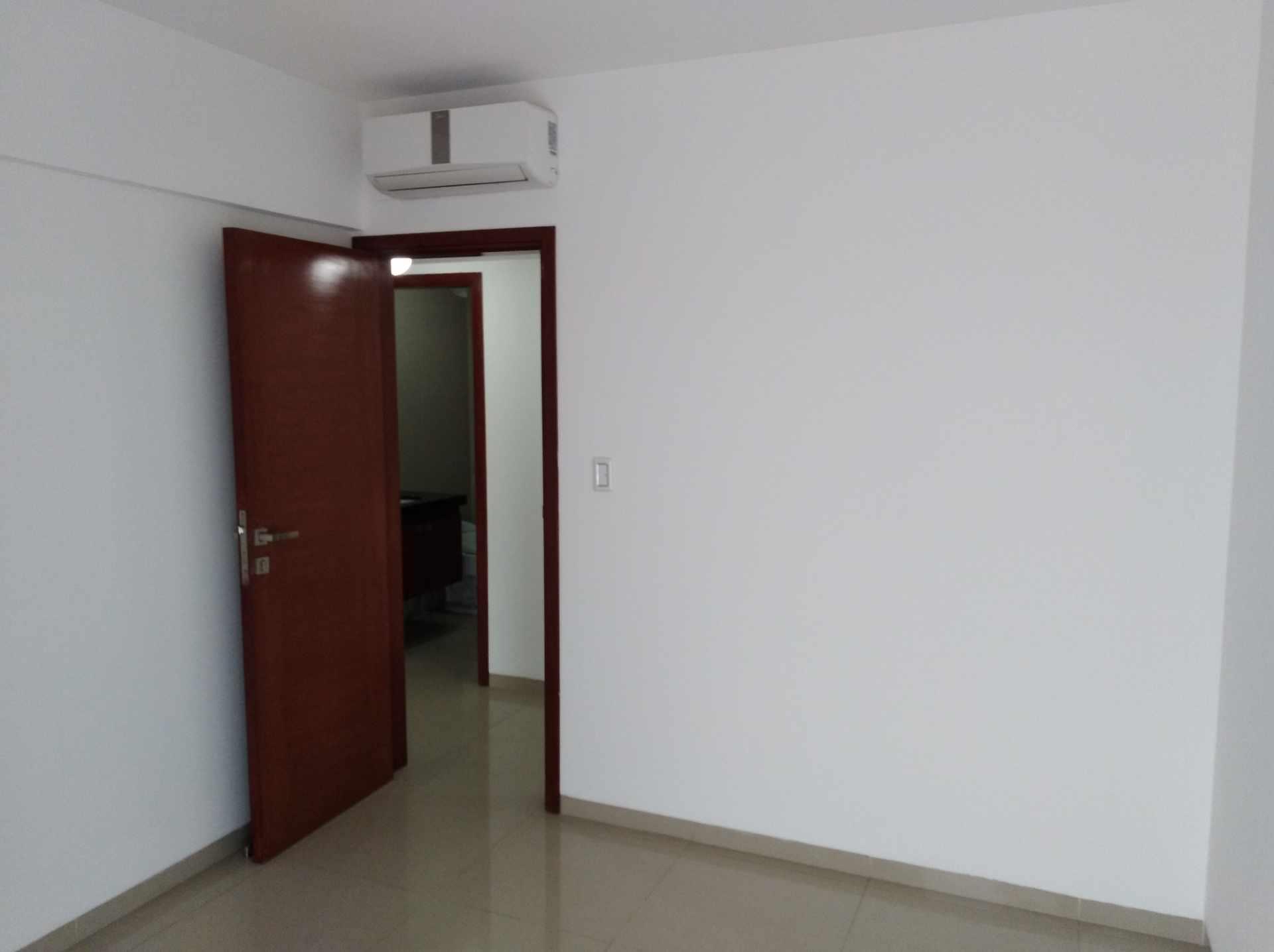 Departamento en Venta Av. Los Cusis, Condominio Mythos, entre Av. Beni y Alemania Foto 11