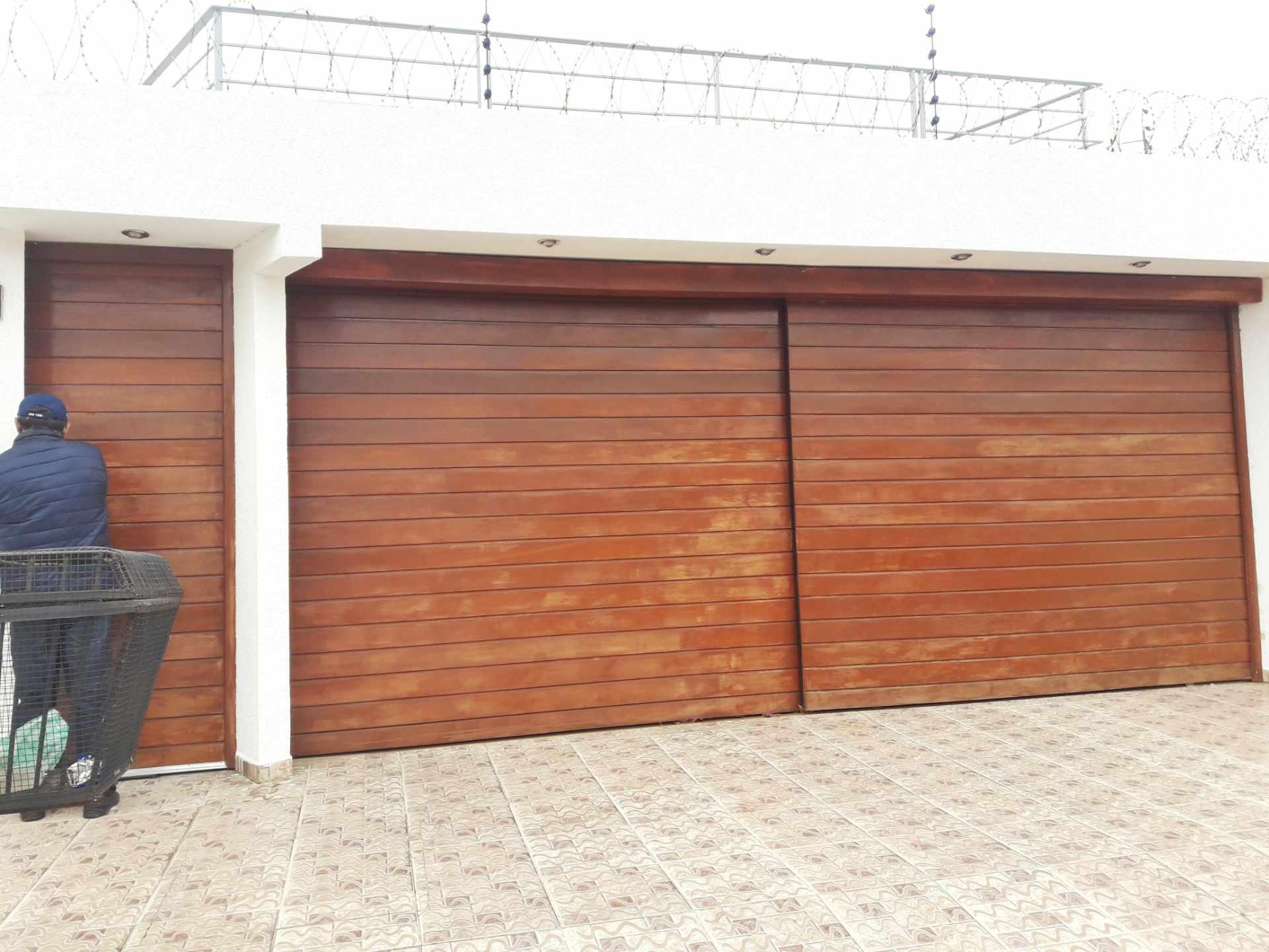 Casa en Venta Barrio Olender 3 pasos al frente entre 4to y 5to anillo Foto 1