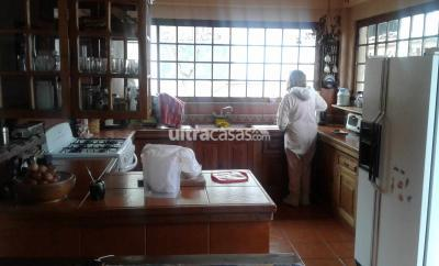 Casa en Venta en La Paz Cota Cota Calle 35 de Cota Cota