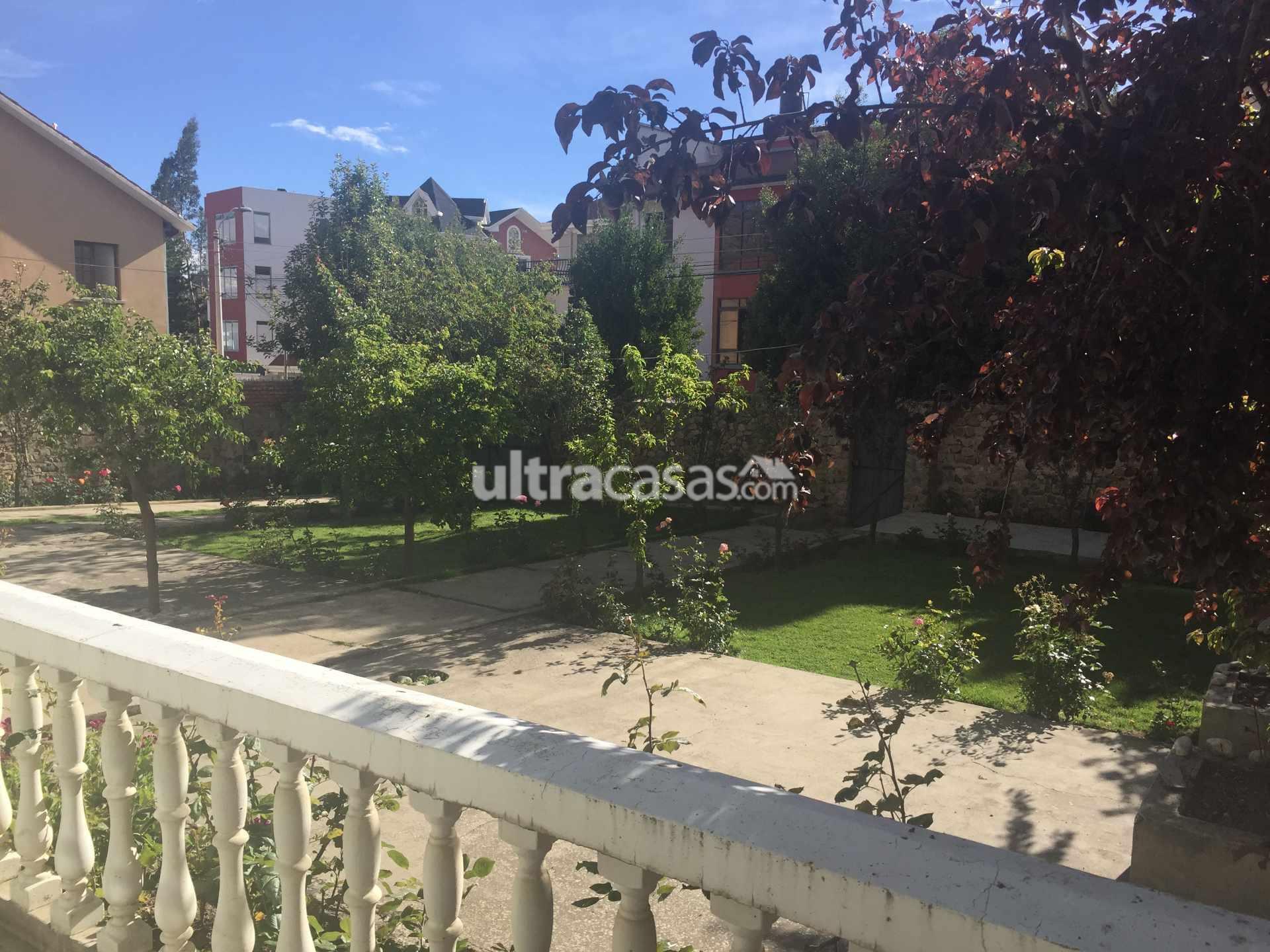 Casa en Venta Bonita casa, amplio jardín con árboles frutales, terreno 540m2 ideal para construcción. Foto 1