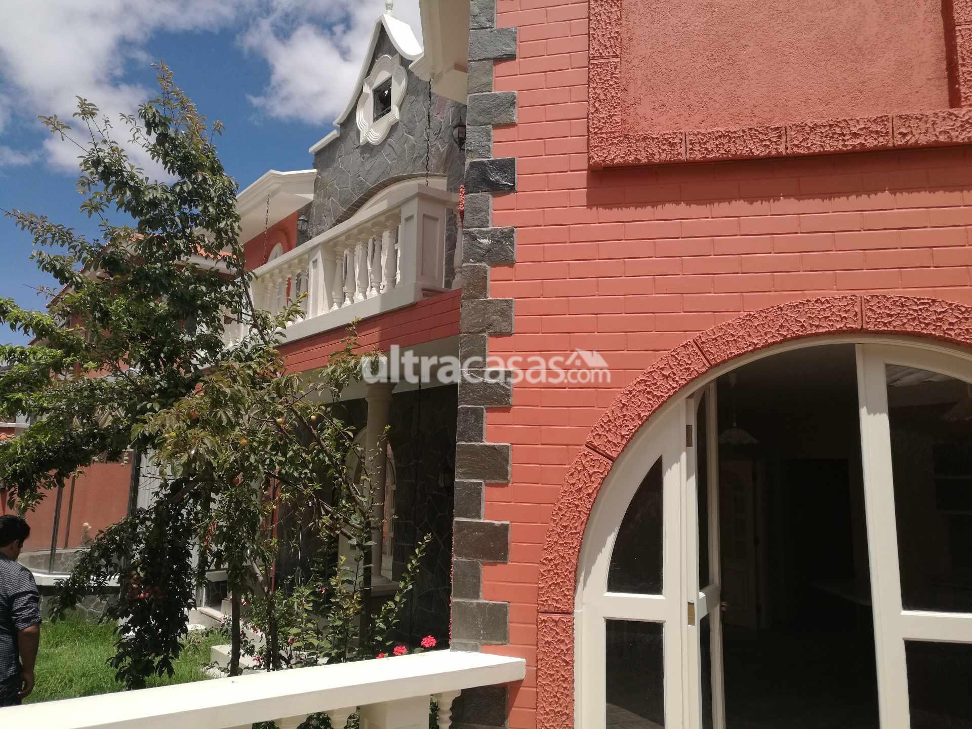 Casa en Venta A pasos del Hipermaxi Foto 18
