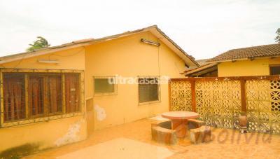 Casa en Venta en Santa Cruz de la Sierra 2do Anillo Oeste Casa en Urbari  (Av. Pirai, entre 2do y 3ro anillo)