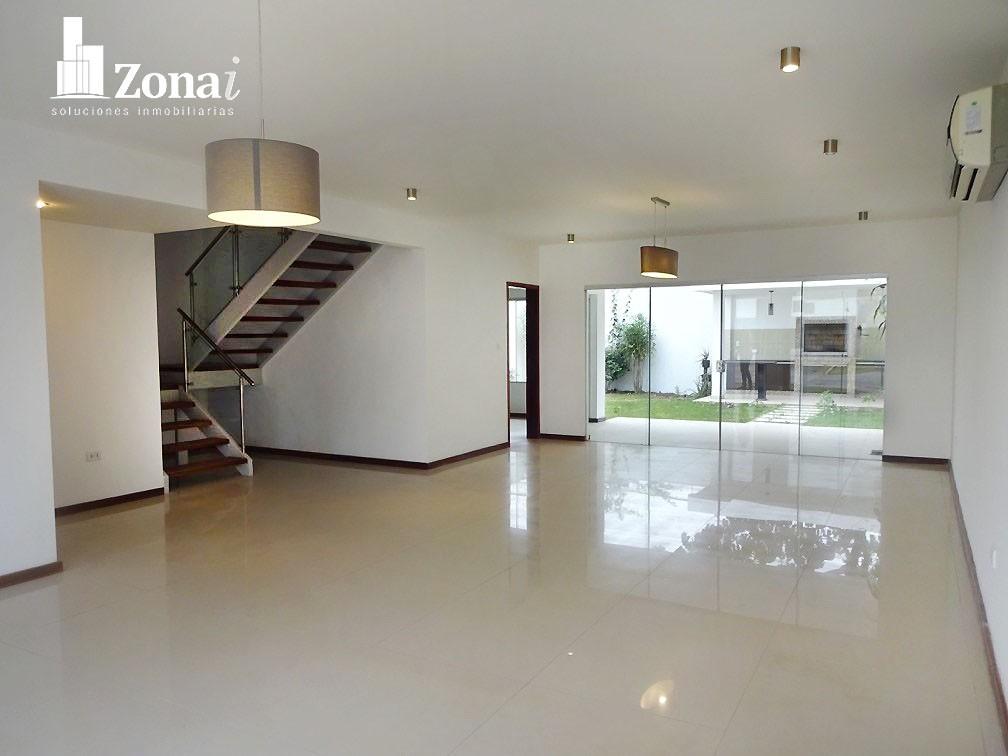 Casa en Venta VIVIENDA DE 4 SUITES EN °CONDOMINIO EXCLUSIVO DE LA ZONA NORTE° Zona Norte 8vo anillo Av. Banzer. Foto 1
