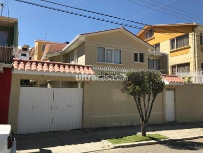 Casa en Venta en La Paz Achumani Calle 20 a media cuadra de la Av. García Lanza ACHUMANI