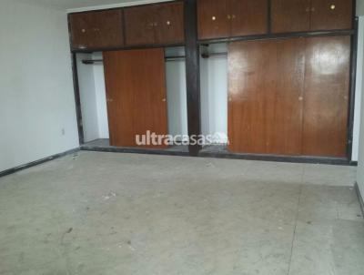 Casa en Alquiler en Santa Cruz de la Sierra 1er Anillo Sur Bienes raices alquila casa de 4 habitaciones para empresa zona centrica