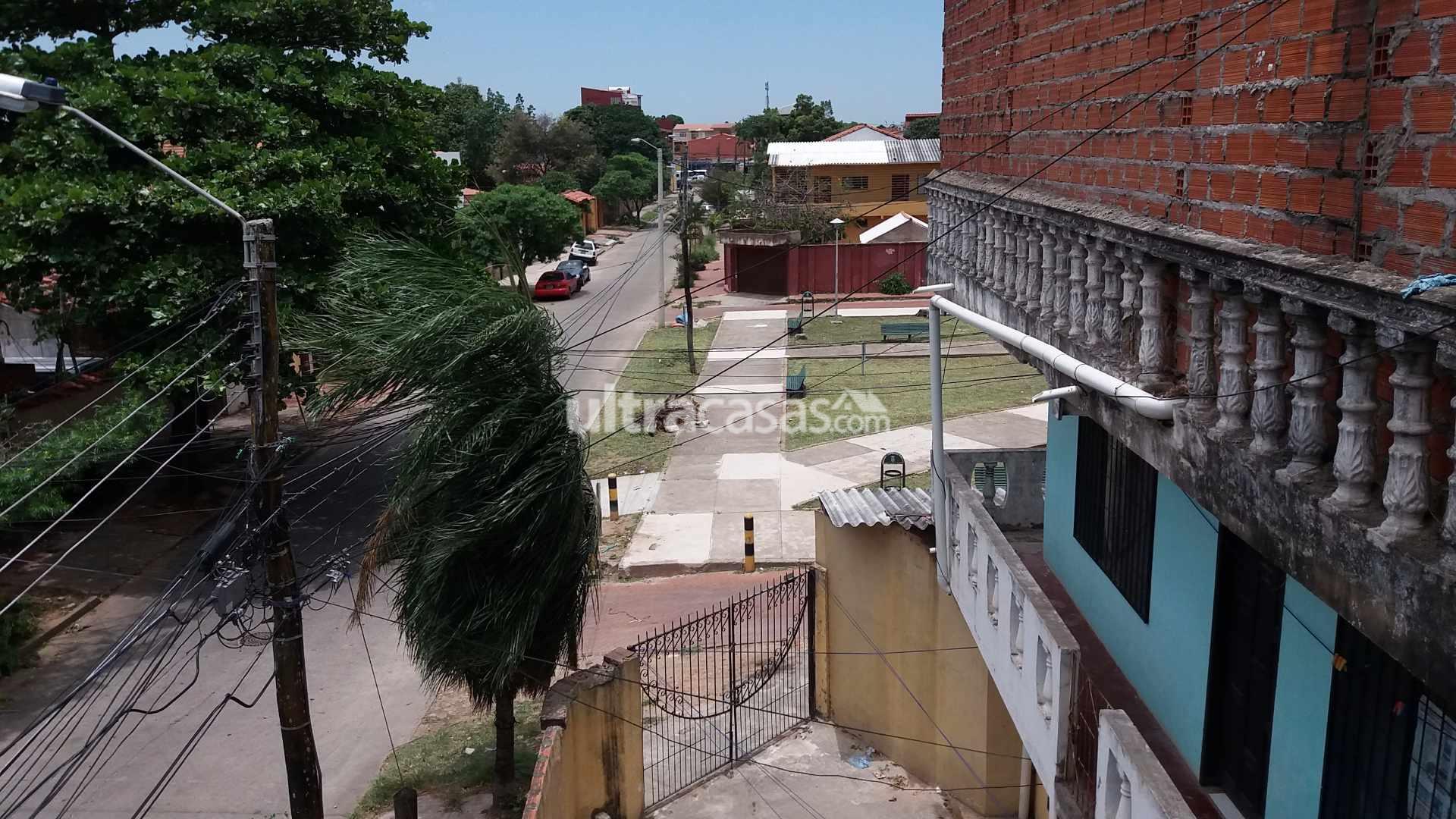 Departamento en Anticretico Av. Paragua, Calle Los Tucanes # 2460 Foto 2