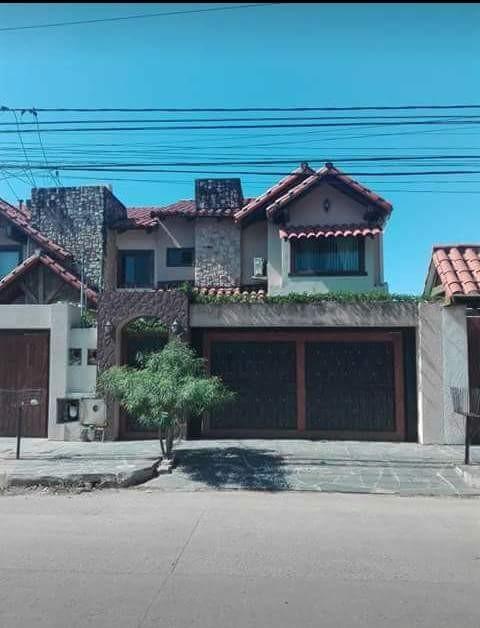 Casa en Anticretico ZONA NORTE BANZER Y BENI 4 Y 5to ANILLO Foto 1