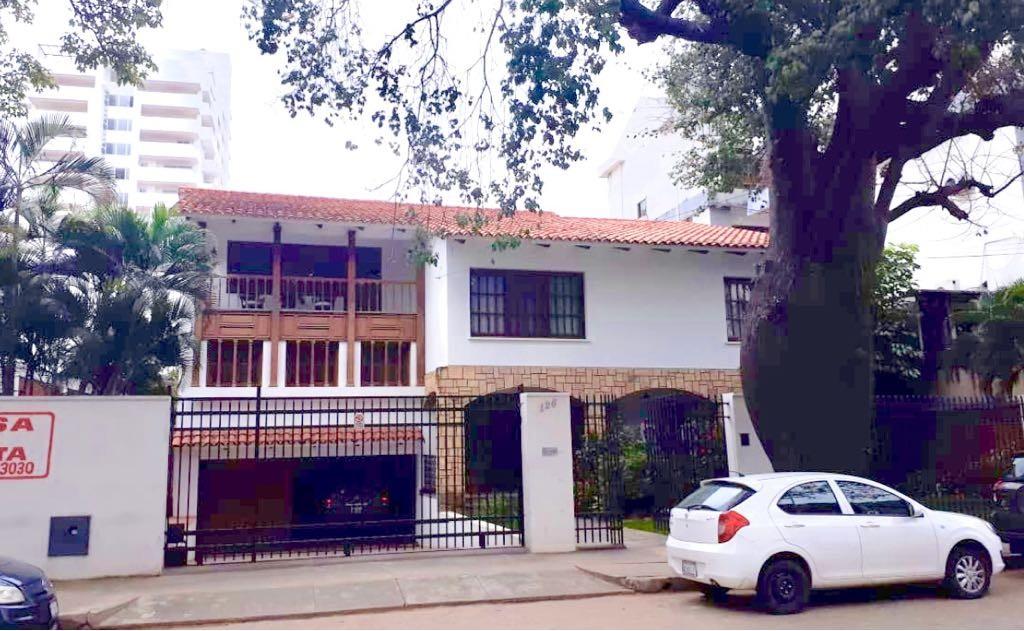 Casa en Venta CENTRO DE LA CIUDAD CASCO VIEJO CALLE SAVEDRA A POCAS CUADRAS DE LA PLAZA PRINCIPAL Foto 1