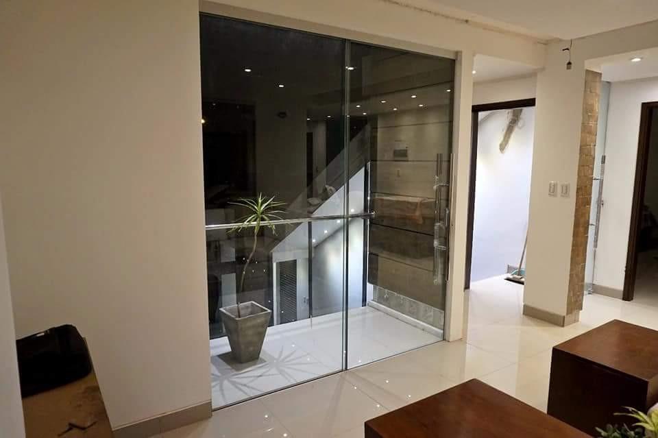Casa en Venta AV. PIRAI ENTRE 4TO Y 5TO ANILLO Foto 26