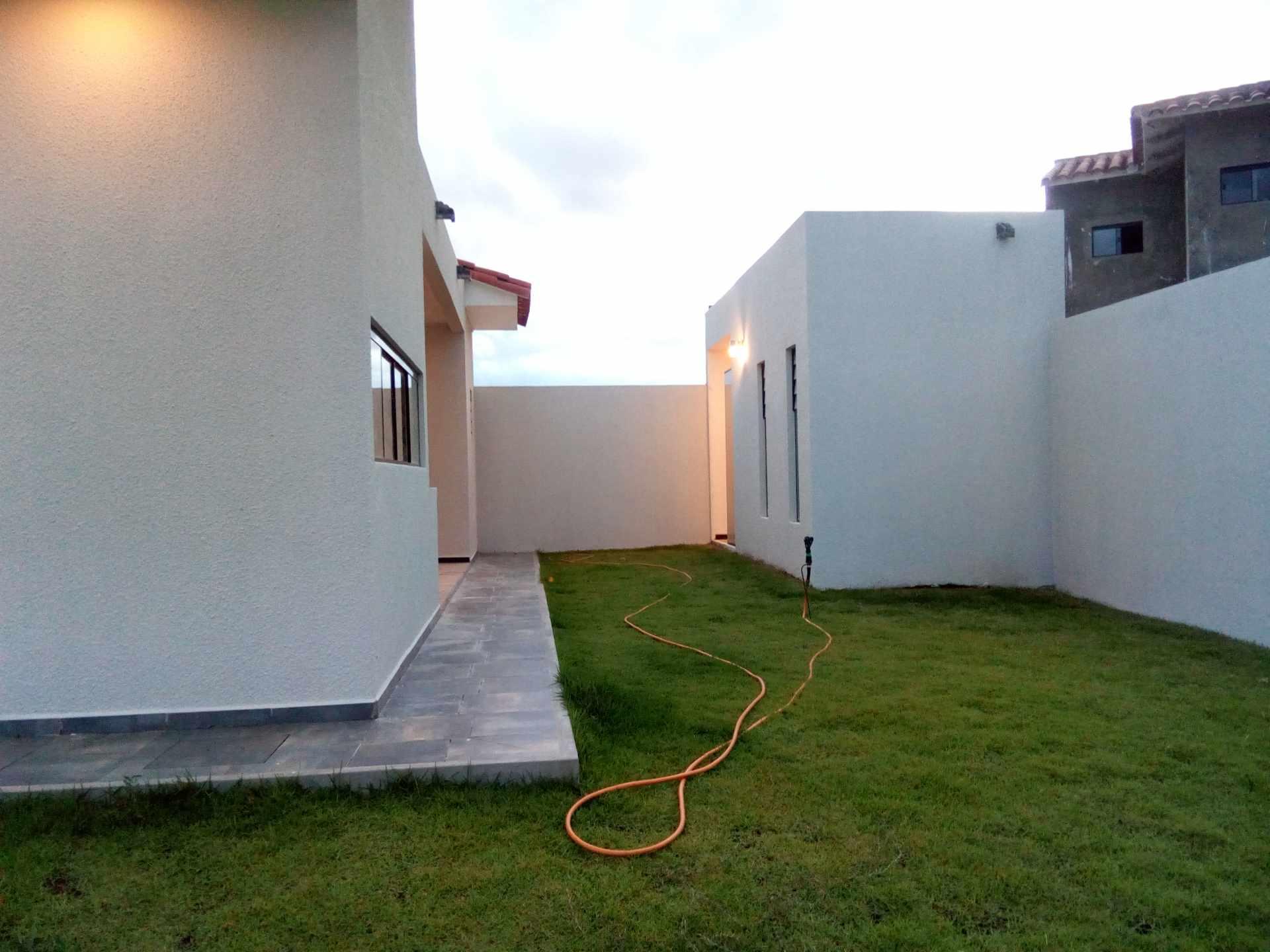 Casa en Alquiler Condominio Santa Cruz de la colina Foto 2