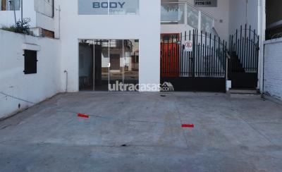 Local comercial en Alquiler en Santa Cruz de la Sierra 2do Anillo Sur Avenida René Moreno no. 480, esquina Ana Barba. A media cuadra del Cine Center.