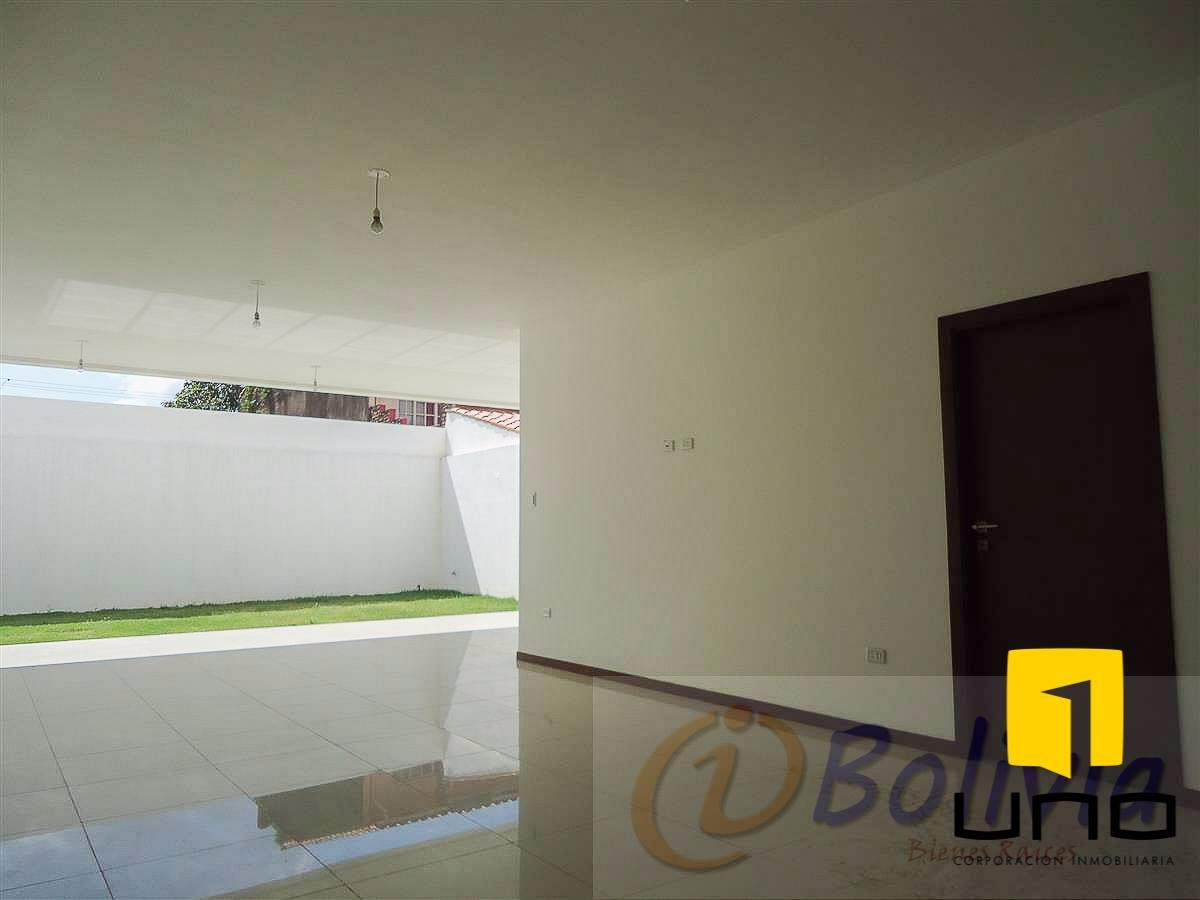 Casa en Venta Av. Banzer 3ro anillo externo Foto 19