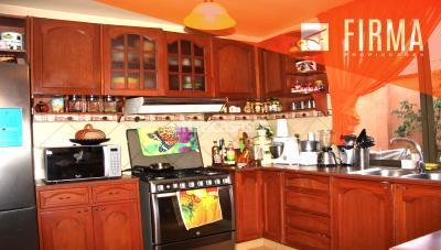 Casa en Venta en La Paz Achumani FCV1706 – CASA EN VENTA, LOMAS DE ACHUMANI