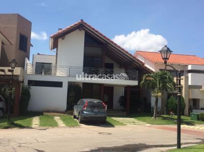Casa en Alquiler en Santa Cruz de la Sierra 6to Anillo Norte HERMOSA Y CÓMODA CASA EN ALQUILER EN LA MEJOR ZONA DE SANTACRUZ
