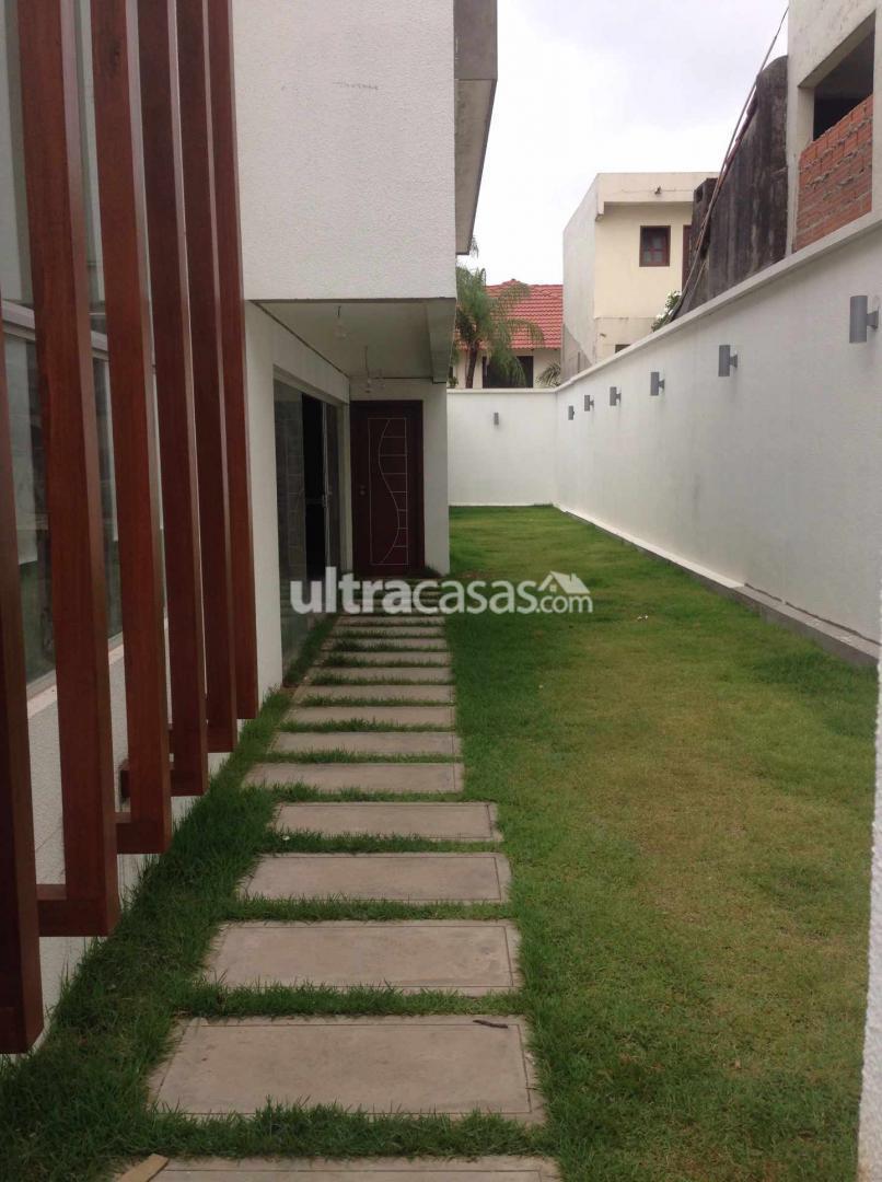 Casa en Venta Las Palmas, entre 3er y 4to anillo (1 cuadra de la Av. Piraí y a 4 cuadras del 4to Anillo) Foto 13