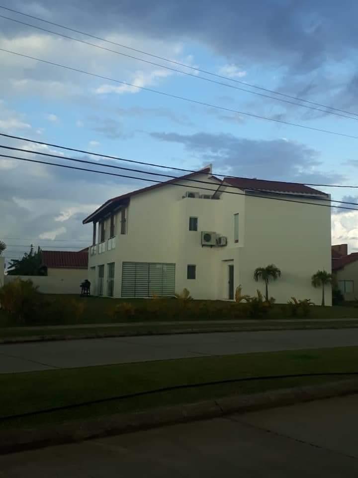Casa en Venta Santa cruz colina urubo Foto 1