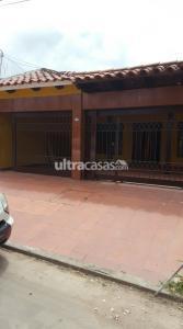 Casa en Alquiler Entre 2 y 3 Anillo de la Banzer entrando 2 cuadras por estación Saldias.  Foto 7