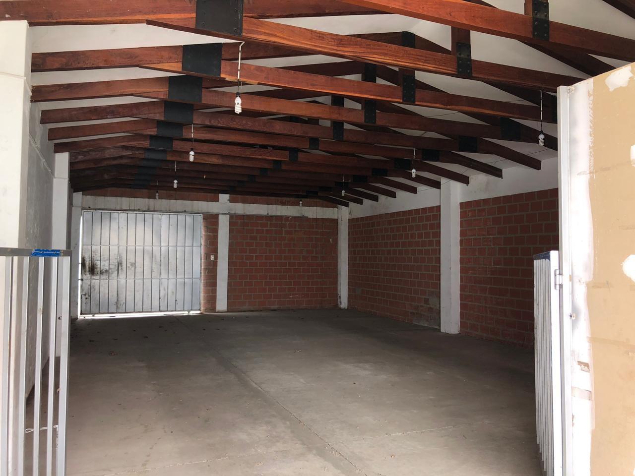 Local comercial en Alquiler LOCAL COMERCIAL EN ALQUILER, CALLE MONTENICH A MEDIA CUADRA DE LA AV. BANZER. Foto 3