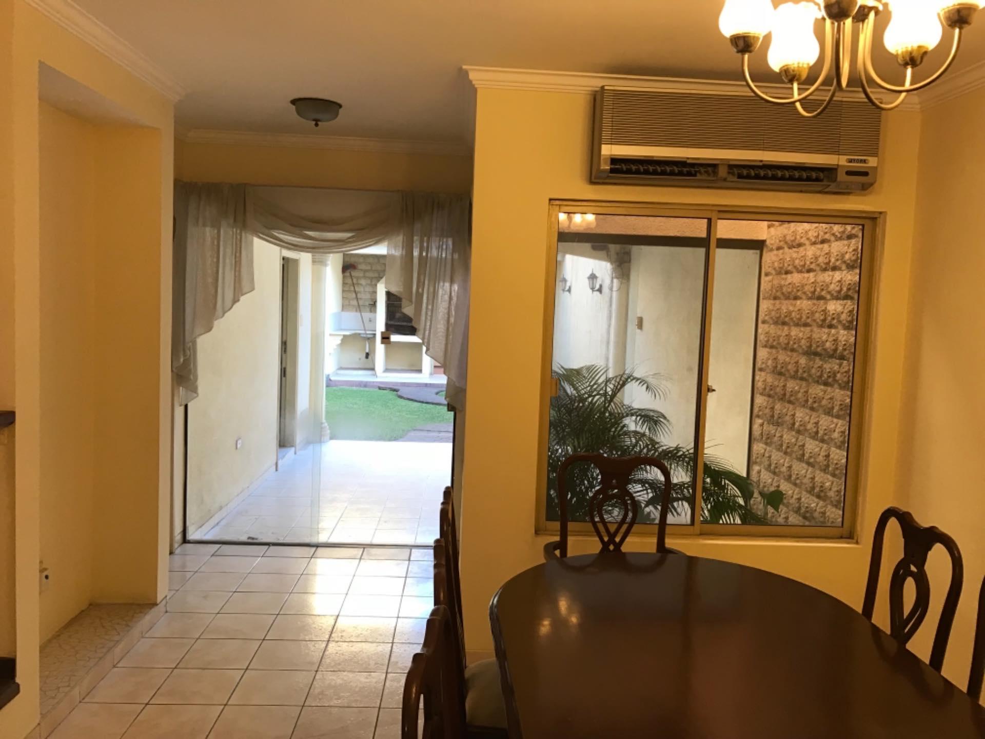 Casa en Alquiler Av. La Barranca barrio El Trompillo Alcaya #300 esq. Zoilo flores  Foto 5