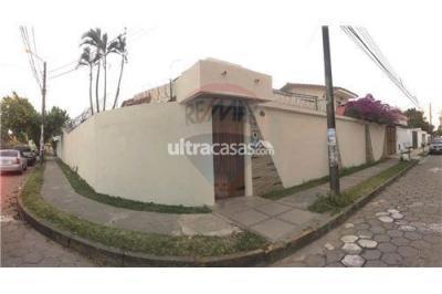 Casa en Alquiler en Santa Cruz de la Sierra 2do Anillo Oeste Pocherena