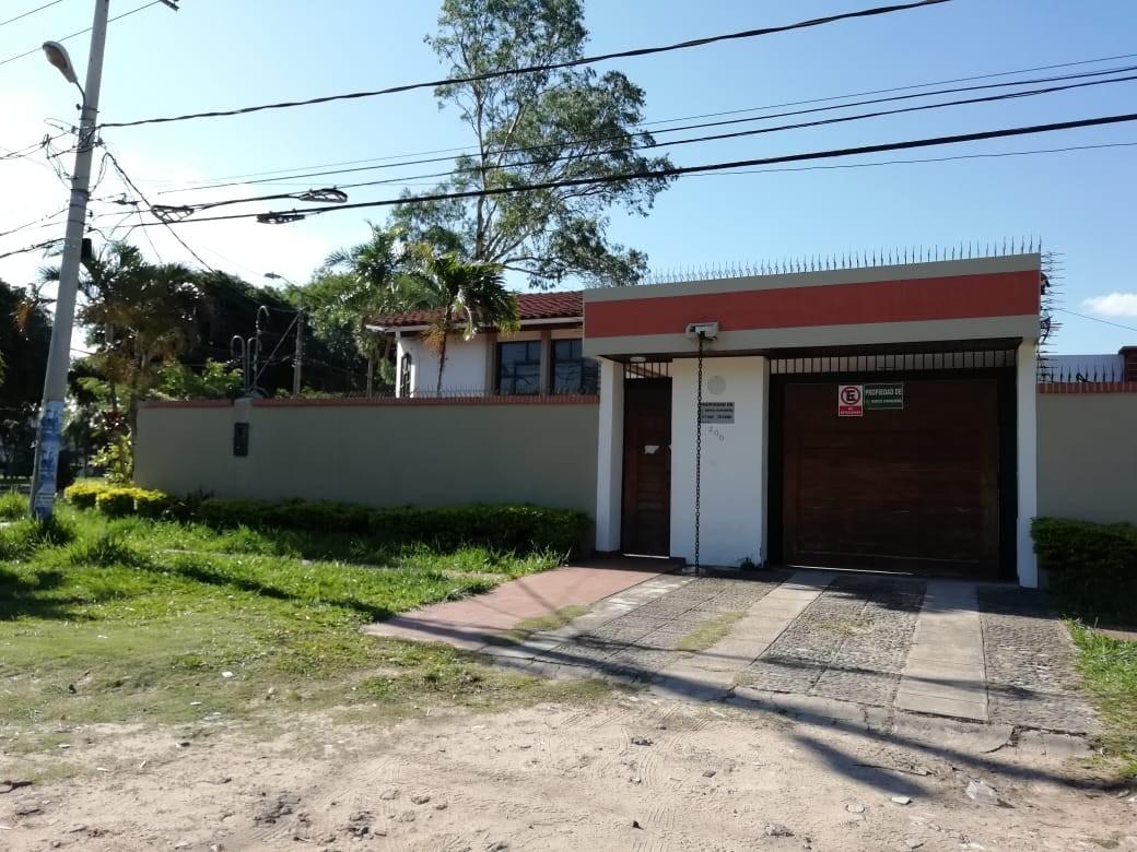 Casa en Venta AV. LA BARRANCA 3ER ANILLO Foto 1