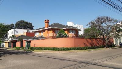 Casa en Venta en Santa Cruz de la Sierra Entre 3er y 4to anillo Norte av. San Martin calle I equipetrol norte