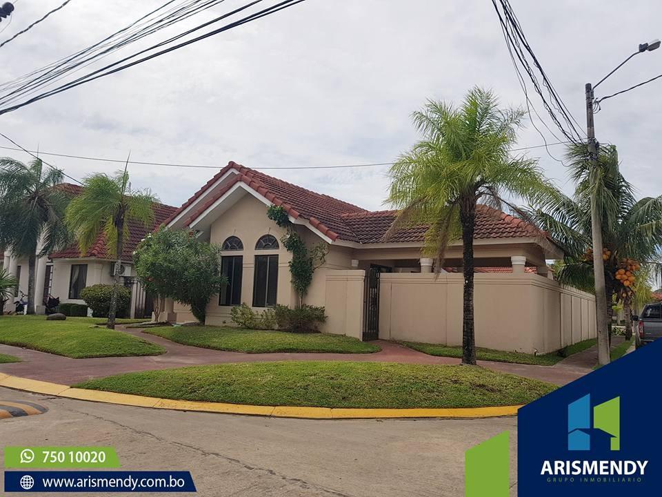 Casa en Venta AV. BANZER- 7MO ANILLO Foto 1
