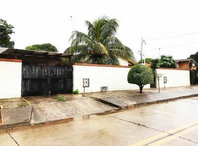 Casa en Venta en Santa Cruz de la Sierra 5to Anillo Sur B/ LAS MISIONES, 5TO ANILLO AV. SANTOS DUMONT
