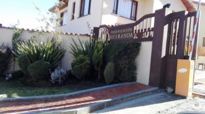 Casa en Venta en La Paz Achumani Lomas de Achumani Urb.Jacaranda condominio cerrado