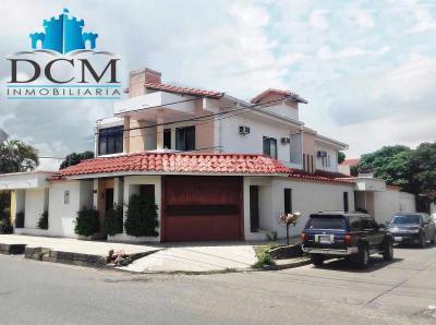 Casa en Alquiler en Santa Cruz de la Sierra 3er Anillo Este Av. Paragua entre 3er y 4to. anillo