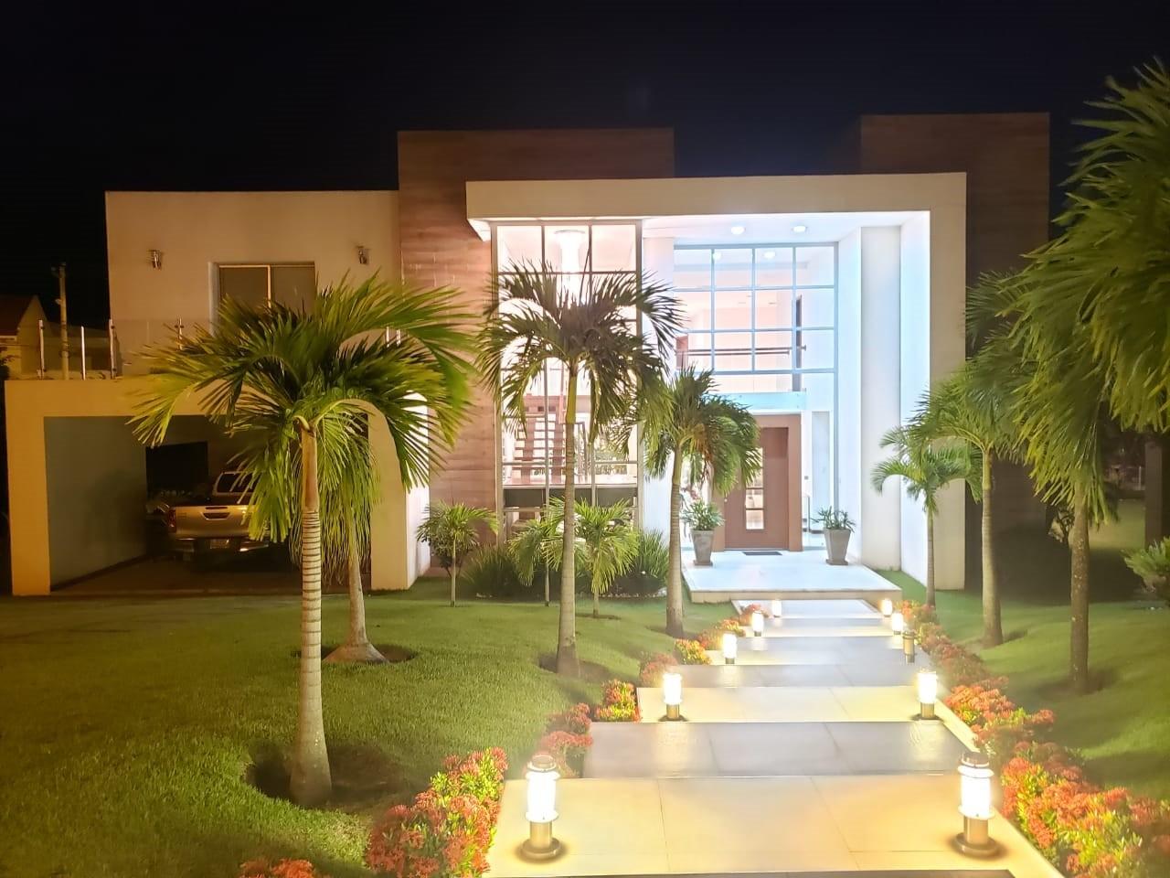 Casa en Venta HERMOSA CASA EN VENTA EN COLINAS DEL URUBO S1 Foto 1