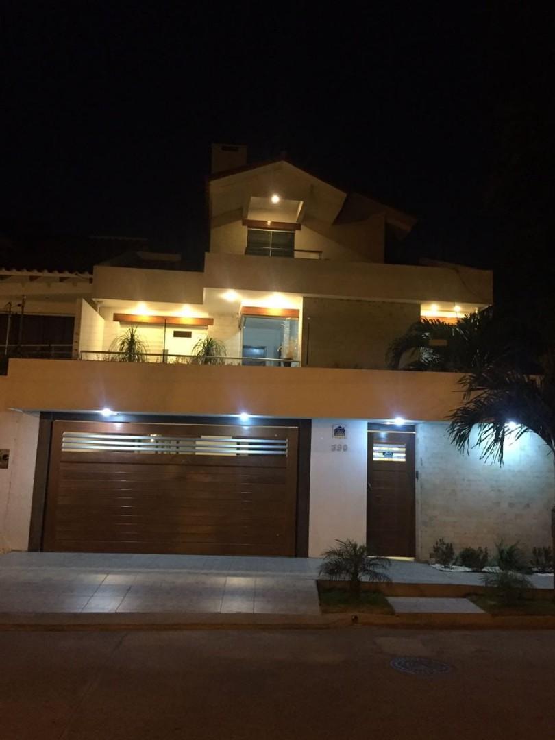 Casa en Venta  2do y 3er anillo Av. La Barranca Foto 1