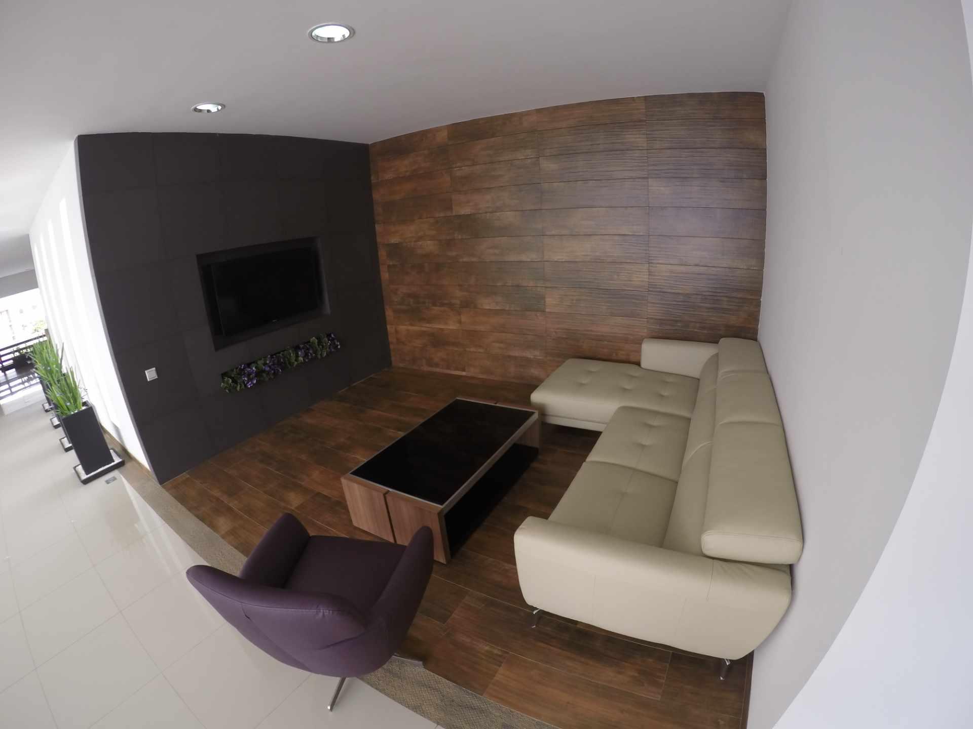 Departamento en Alquiler Condominio Onix [Equipetrol Norte], Departamento monoambiente full amoblado de lujo en alquiler, con parqueo techado. [620$us. Facturado, expensas incluidas + TV Cable + WiFi + Agua] Foto 3