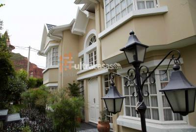 Casa en Venta en La Paz Mallasilla EN ALQUILER: CASA EN CONDOMINIO CERRADO