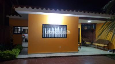 Casa en Venta en Santa Cruz de la Sierra 6to Anillo Sur Urbanización las palmitas