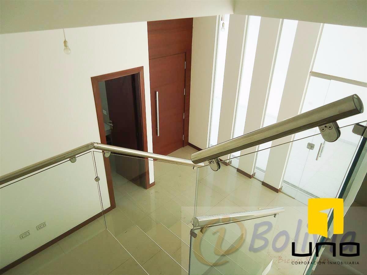 Casa en Venta Av. Banzer 3ro anillo externo Foto 13